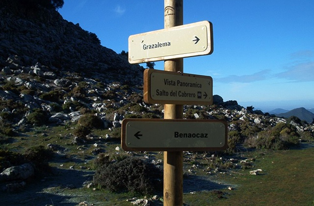 Was man tun und sehen kann in der Sierra de Grazalema - sprung von Cabrero