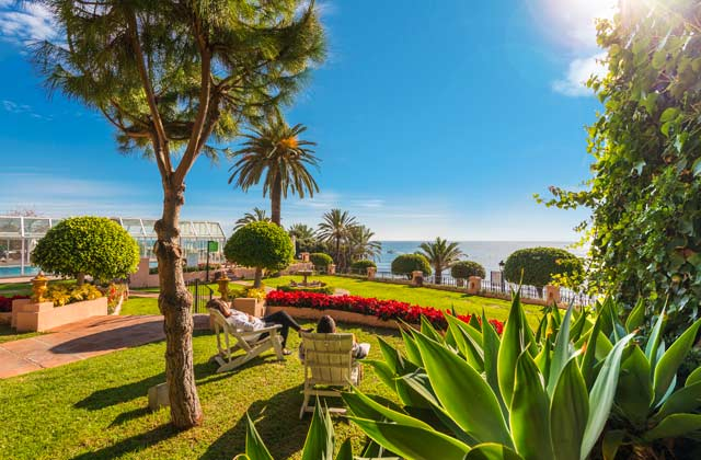 New year in Marbella - Take a siesta under the winter sun