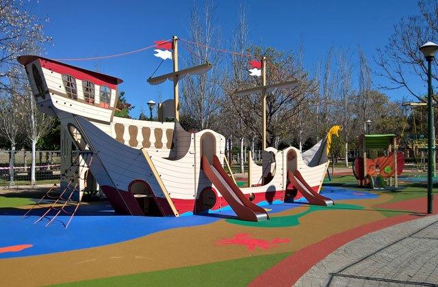 playgrounds in Malaga - parque infantil isla del tesoro malaga