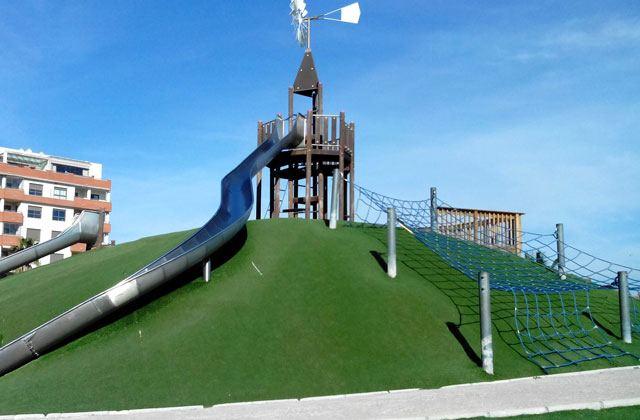 playgrounds in Malaga - parque litoral malaga