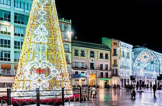 Luces Navidad Málaga - Crédito editorial: elRoce / Shutterstock.com