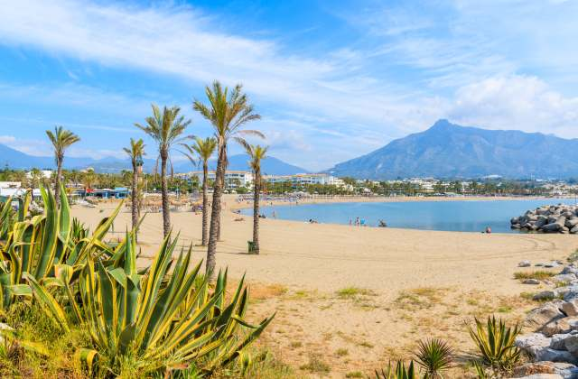 Best beaches in Andalucia - Playa de Puerto Banús