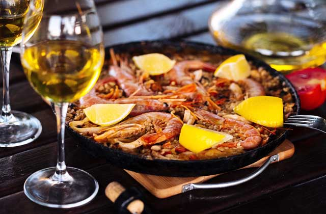 Paella made to taste
