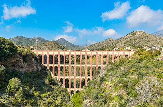 que ver en Nerja - acueducto del Águila