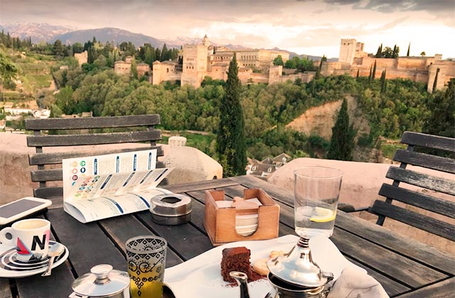 Rooftop bars de Andalucia - El Huerto de Juan Ranas, Granada