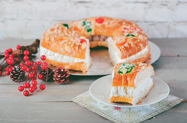 Christmas sweets in Andalucia - Roscón de Reyes