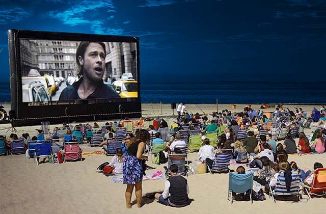 Playa de la Victoria, Cine de Verano credito foto www.elmira.es